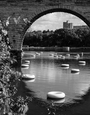 stone arch, bridge, mississippi, river, saint anthony, inner tubes, minneapolis, minnesota